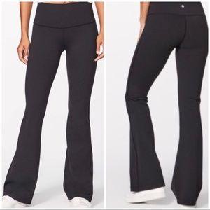 NWT Lululemon Throw Back Flared Black Pant Size 12